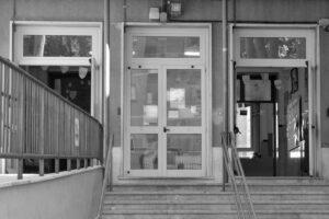 """AVVISO: DISPOSIZIONI INGRESSO/USCITA DELLE CLASSI DI SCUOLA PRIMARIA E DI SCUOLA SECONDARIA DI I GRADO IN VIA DEL PIGNETO 301 """"CANCELLO MEDIE"""""""
